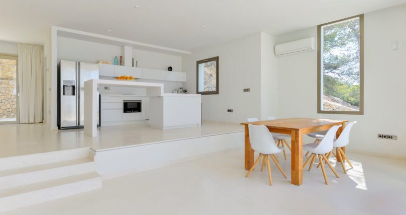 3 bedroom modern villa with spectacular sea views and