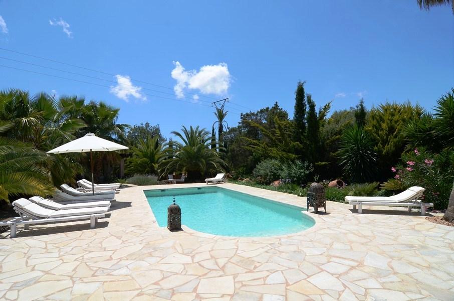Villa con 6 dormitorios para alquilar en ibiza en la zona - Piscina san carlo ...