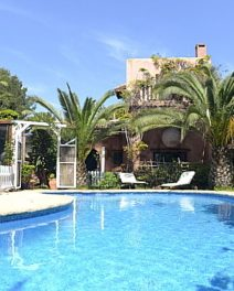 Apartment vs. villa – Which property to buy in Ibiza