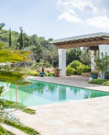 Exclusive Property – Can Cosmi