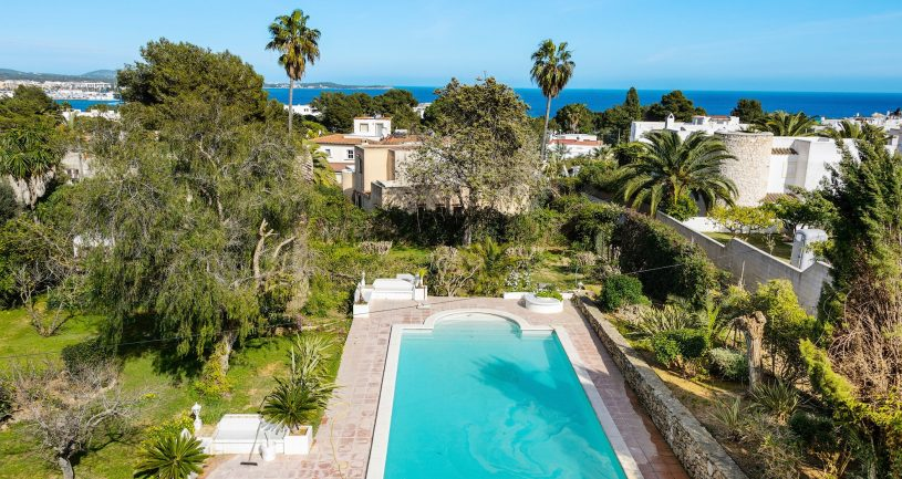 (English) Villa Lora