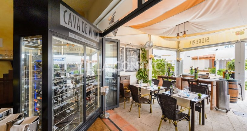 Restaurant for sale in the Port of Santa Eulalia