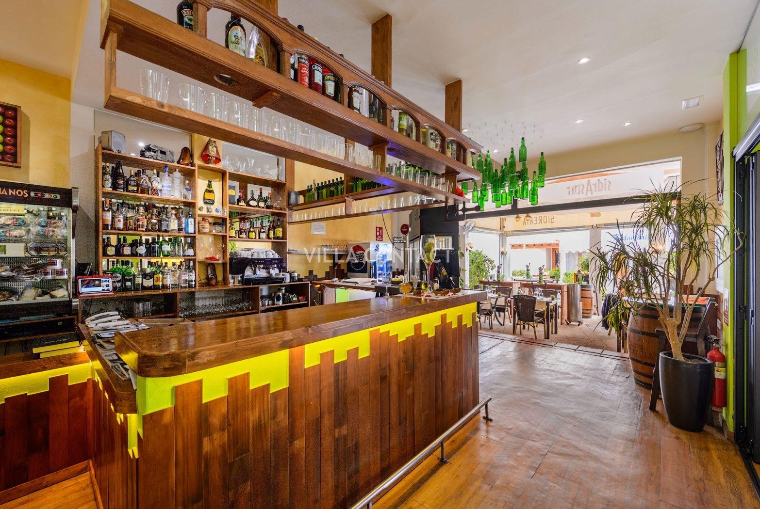 Restaurante en venta en el puerto de santa eulalia ibiza - Restaurantes en el puerto de ibiza ...