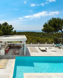 (English) Hot property: Can Soleil