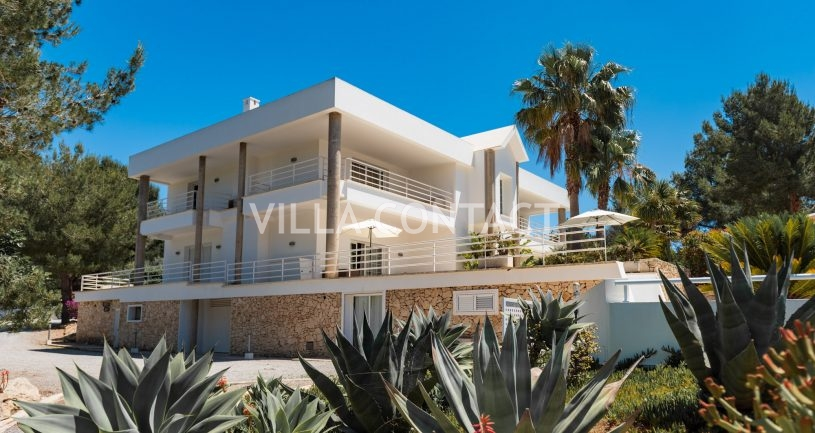 Villa Blue Rock