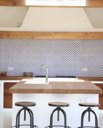 Island style: kitchens